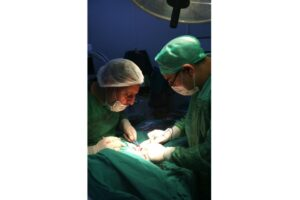 Surgeon Yasser Jabbar operates on a child with DDH